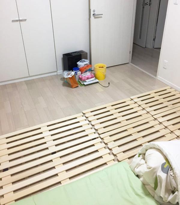 防災対策の寝室(最低限必要なものだけ確保)