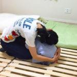ダンゴムシポーズで地震の被害から子供を守る