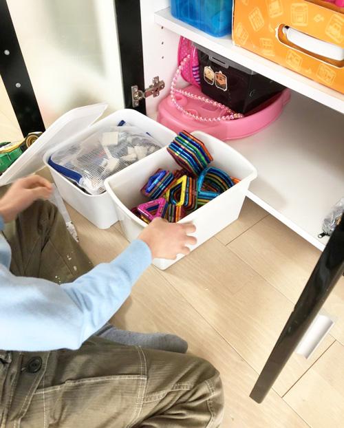 子どもが散らかしたリビングを片付ける方法